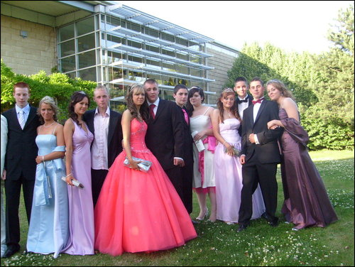 Luton School Prom Limo Hire