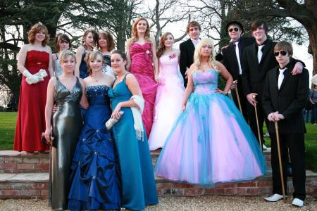 Newark School Prom Limo Hire
